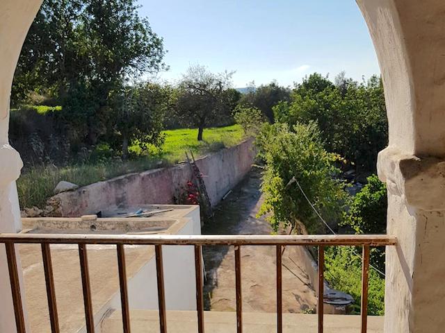 Statige finca voor renovatie Santa Eularia