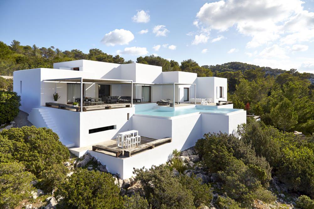 Luxe first line design villa 730m2 Na Xamena met toeristenlicentie