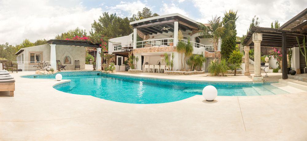 San Augustin villa met verhuur licentie, 7 slaapkamers.