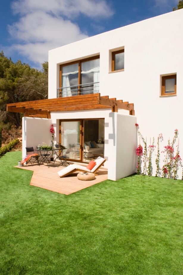 Buy 3 bedroom house Cala Llonga