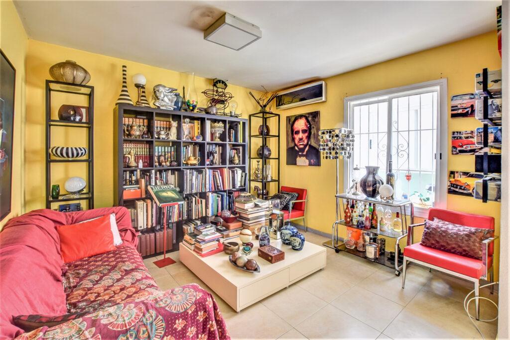 Appartement op steenworp van het strand van Figueretas