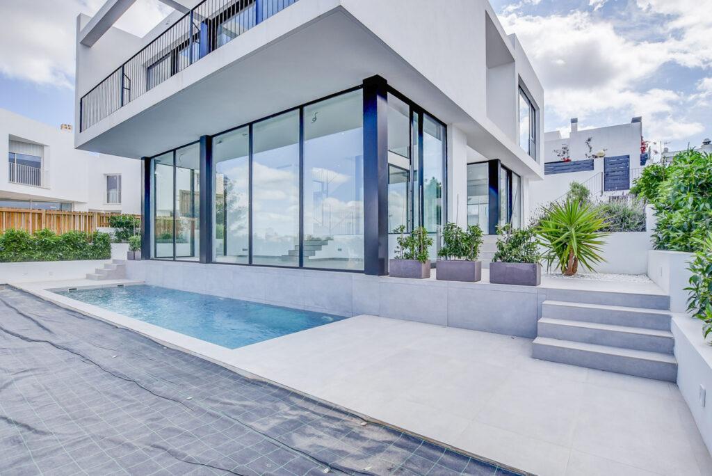 Nieuw gebouwde villa op een bijzondere locatie