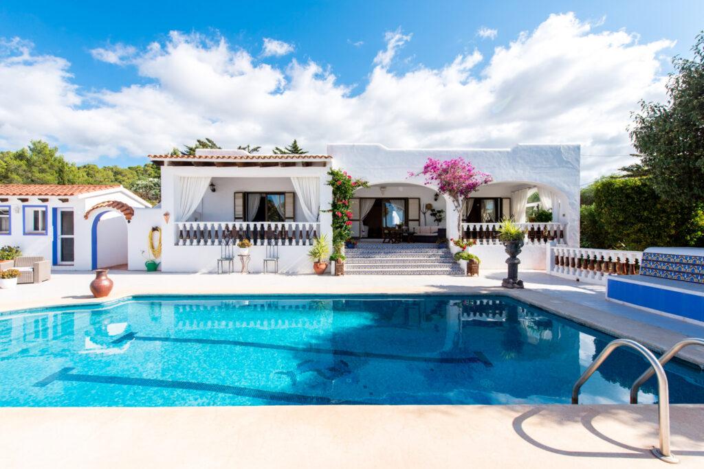 Mooie villa met 3 slaapkamers en zwembad te koop in San Agustin